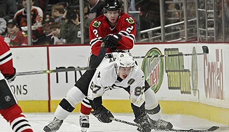 Duncan Keith leads a young Hawks' defense corps.