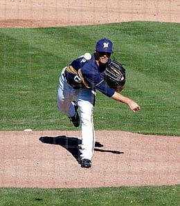 Brandon Kintzler earned his first win for the Milwaukee Brewers.