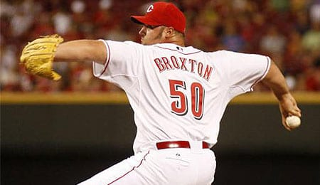 Jonathan Broxton is stepping up for the Cincinnati Reds.