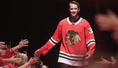 Cam Ward could provide value to the Chicago Blackhawks.